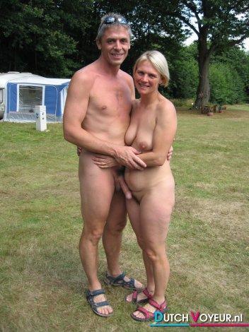 смотреть голые семейные фото