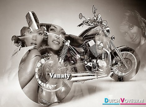 vanaty nude in bike